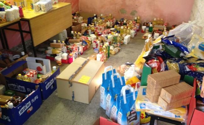 Uoči i tokom Bajrama uručena 24 paketa sa hranom socijalno ugroženim obiteljima