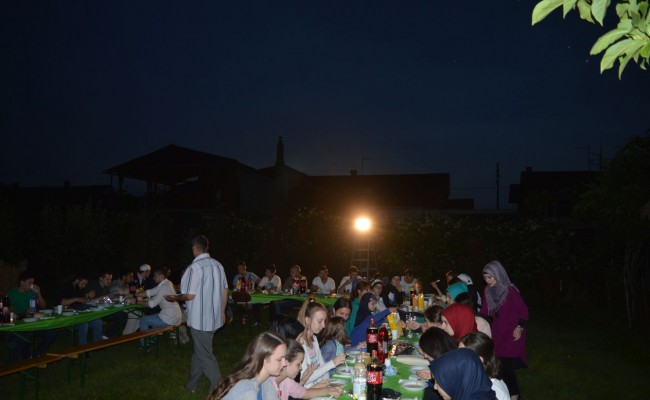 Sa Omladinskim iftarom u posljednju trećinu Ramazana