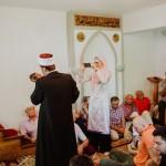 Akika Omeru-učenje ezana i ikameta od strane imama